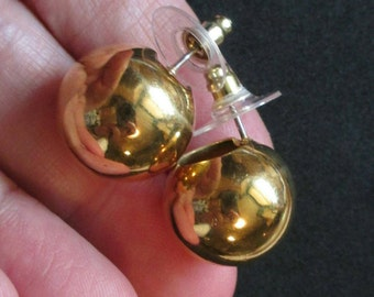 Vintage Gold Tone ball earrings stud earrings pierced stud round small shiny dimensional  ball Hollow Dome chunky