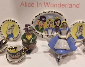 Alice in Wonderland Miniature Teaset (Dolshouse)