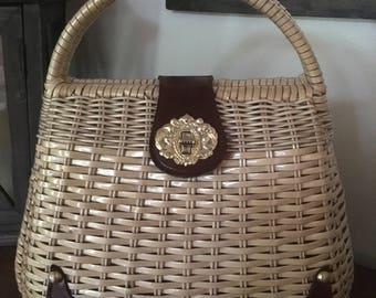 Vintage 1960s Natural Straw Wicker Handbag / Purse with Leather and Goldtone Details M851