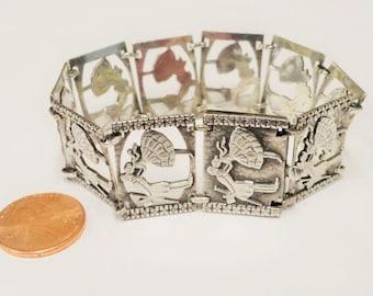 Gorgeous Vintage Sterling Silver Kissing Couple Bracelet