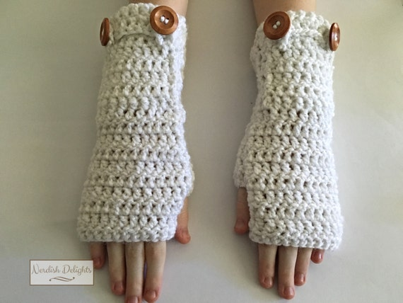 Charmed Gauntlets - fingerless gloves with pockets