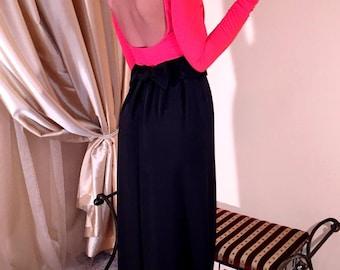 Red- Black Maxi Dress Round Neck Open Back Long Sleeves Pockets Sash