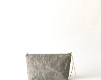 ALUMINUM / waxed canvas cosmetic bag