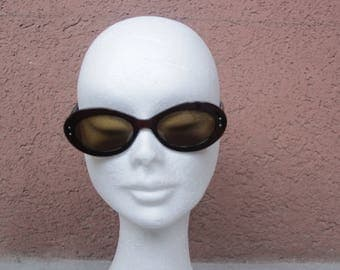 Vintage Oliver Peoples  Brown Sunglasses - 60's Style Ovale Sunglasses