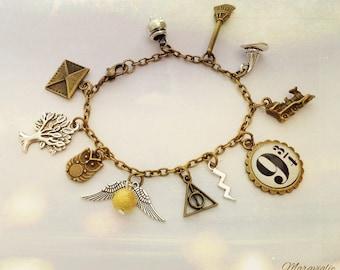 Harry Potter Bracelet, Potterhead Jewelry, Gryffindor, Harry Potter Charm Bracelet, Golden Snitch Bracelet, Quidditch, Fandom Bracelet