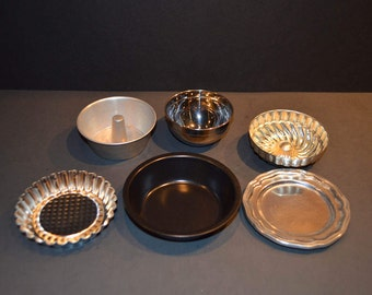 6 Piece Collection of Child Size Bake Ware
