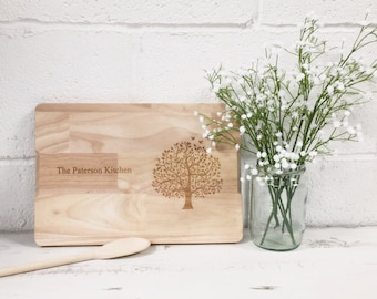 FREE UK DELIVERY - Personalised Family Tree Engraved Wooden Chopping Board - Ideal House Warming & Birthday Gift