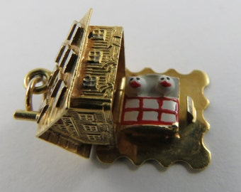 Cottage With Couple in Bed Mechanical 18K Gold Vintage Charm For Bracelet