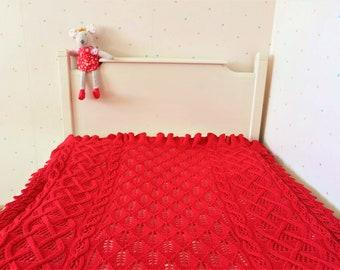 Hand Knitted Ruffle Baby Blanket.