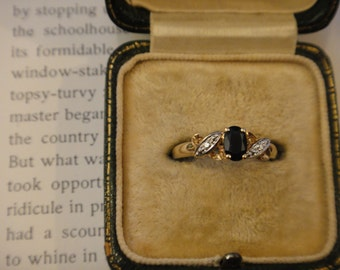 Vintage 9ct gold saphire and diamond ring