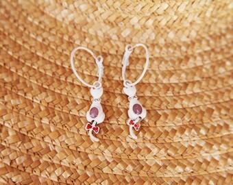 White cats vintage beautiful hoop earrings.
