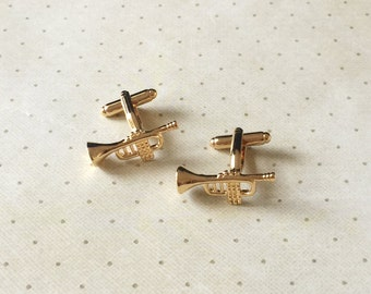 Trumpet Cufflinks Cuff Links in Gold