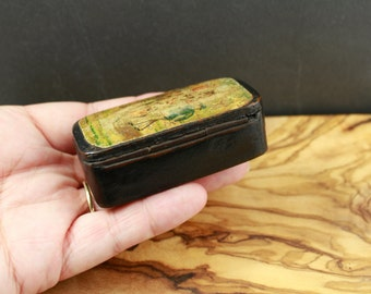 Antique snuff box papier mache horse racing rider and jockey scene, collectable Victorian pocket snuff holder