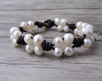 Boho pearl bracelet Leather Pearl Bracelet Boho bead bracelet Real pearl bracelet pearl Leather wrap bracelet pearl jewelry SL-0503