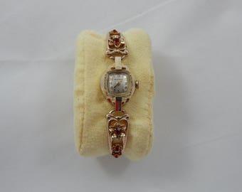 Vintage Ladies Bulova Wrist Watch 1947