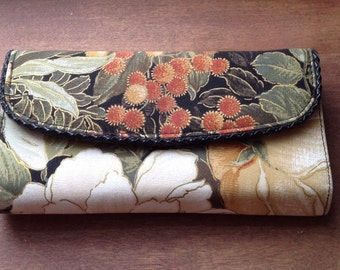 Floral wallet, flowery wallet, purse, shabby chic