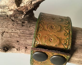 Tough & stylish wide Bangle of saddle leather craft modified with leather stamps
