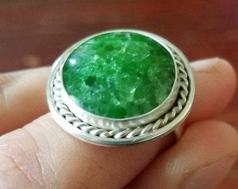 Round NY Green Tremolite ring