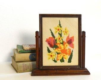 vintage flower needlepoint framed embroidery flowers pivot frame framed needlepoint needl point