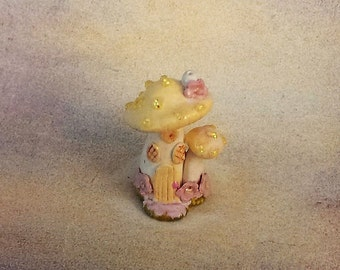 Yellow Fairy house, Miniature, Fairy house