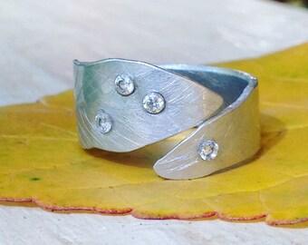 Leaf ring, leaf ring silver, silver leaf ring, adjustable ring, cz ring, nature ring, gemstone ring, multistone ring, silver ring, aluminum