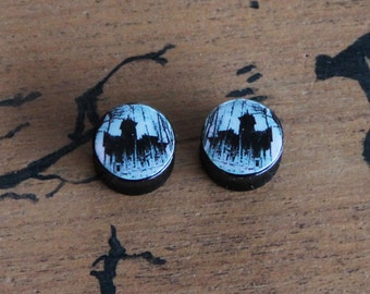 Pair of Plugs 16mm Haunted House