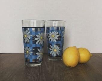 Vintage Tumblers, Retro Daisy Tumblers, Floral Glasses, Retro Glasses, Drinking Glasses, Blue Drinking Glasses, Checkered Daisy Glasses, Cup