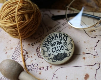 Knitting Club*BUTTON