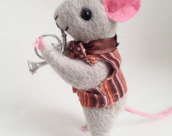 NEEDLE FELT MOUSE, Mouse with French horn , Cute mouse, Needle felt animal, Needle felt miniature, Cute Felted Mouse Eco Toy Home decor