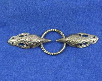 Cloak Clasp - Ravens and Oath Ring