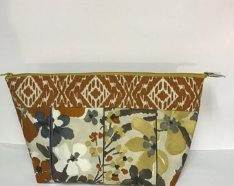 FREE SHIPPING!  X-Large Earthy Floral Zippered Cosmetic/Toiletry Bag