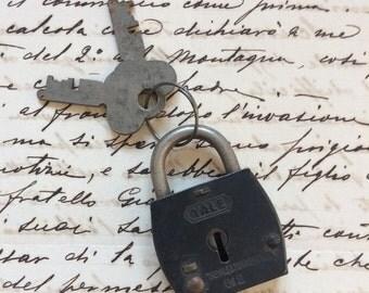 Old vintage Yale Padlock with keys, Yale & Towne