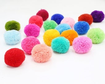 20 Pieces Colorful Big Yarn Pom Poms Crafty Jewelry Making / Decoration Party
