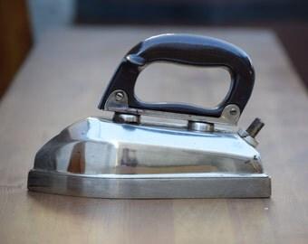 Vintage electric iron, Antique iron, Clothes iron, Retro gadget for ironing, Home appliances, Retro appliance, Collectible iron