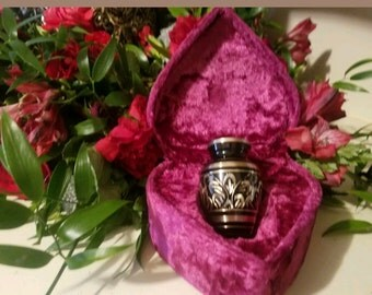New Star Legacy's Majestic Radiance Brass Keepsake Cremation Urn.