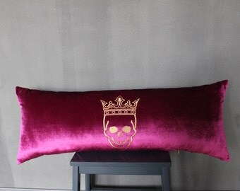 Pillow with Crowned Skull XL