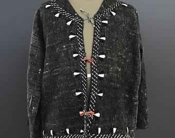 Woolen sweatshirt. Mexican sweatshirt. Woolen textile. Mexican textile. Woolen sweatshirt from Chiapas.