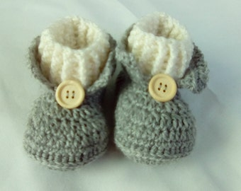 botita with sock to crochet for baby