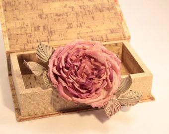 Silk rose (brooch)