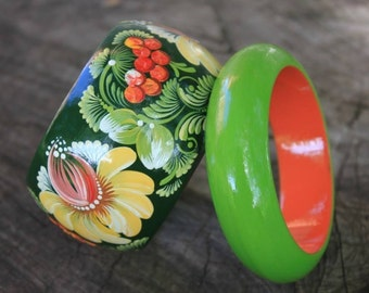 Petrykivka painting Flower bracelet for women Hand painted bangle bracelets Wooden gifts  for wife Green bracelet Birthday gifts for mom