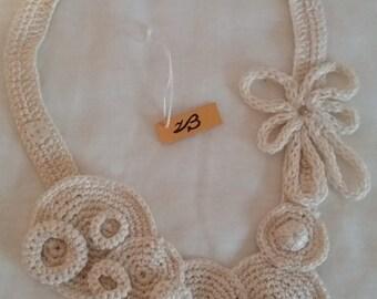 Bohemian, necklace flower cotton, crochet contemporary, jewelry crochet, jewelry crochet, asimmetrica, chic vintage.