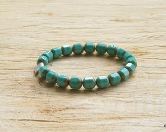 Turquoise beads bracelet for both men and women