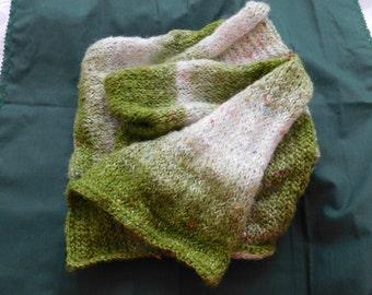 Kuschelschal handmade crocheted, green