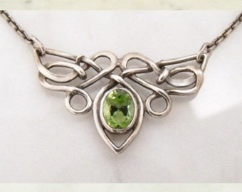 "Silver necklace with olivine ""Butterfly"""