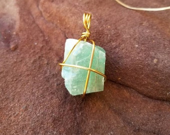 Green Calcite Pendant, Wire Wrapped Green Calcite, Green Calcite Crystal, Crystal Healing, Crystal Jewelry, Wire Wrapped, Gifts For Her