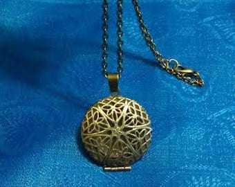 Aromatherapy Necklace - Filigree