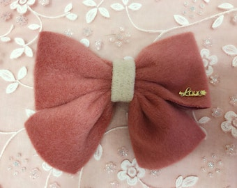 pretty Ribbon / hair bow