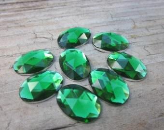Green crystal acrylic jewels // 8 green oval crystals // Flat backs