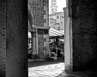 "Digital art, Printable art, home decor 300 dpi 24x36 and 8x12 Black&white photography ""RIALTO MARKET"""