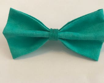 Parrot Green bow tie